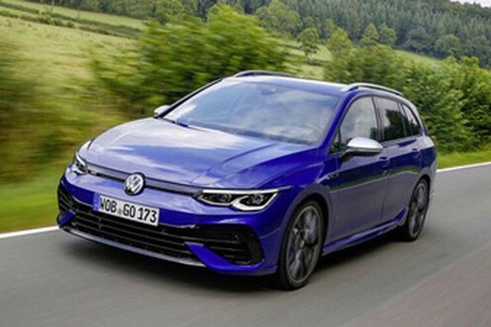 Az új Golf R Variant a legerősebb és legdinamikusabb Golf Variant, amellyel a Volkswagen eddig megjelent a piacon.