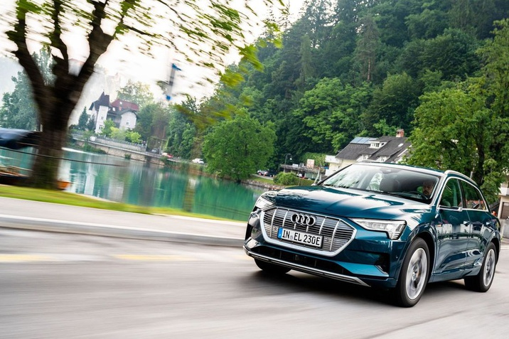 Világszerte vezető piaci szegmensében az Audi e-tron